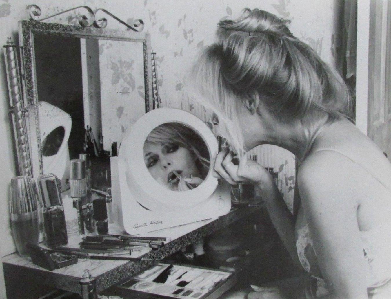 Bobbie Bresee Nude Photos 86