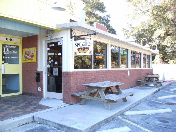 Charleston's Top Cheap Eats and Restaurants | Skoogies - the best little deli south of Chicago in mount pleasant