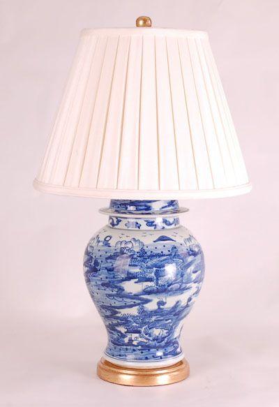 B/W Garden Seat Lamp