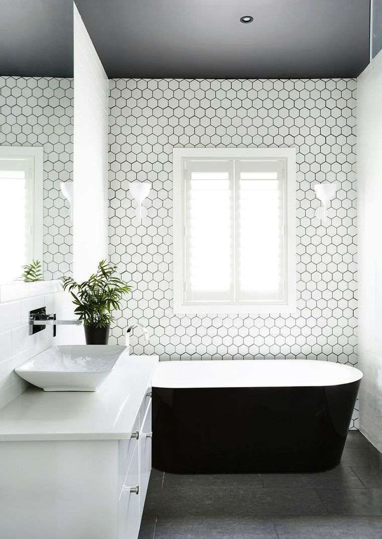 idee revetement mur carreaux hexagone amenagement salle de ...