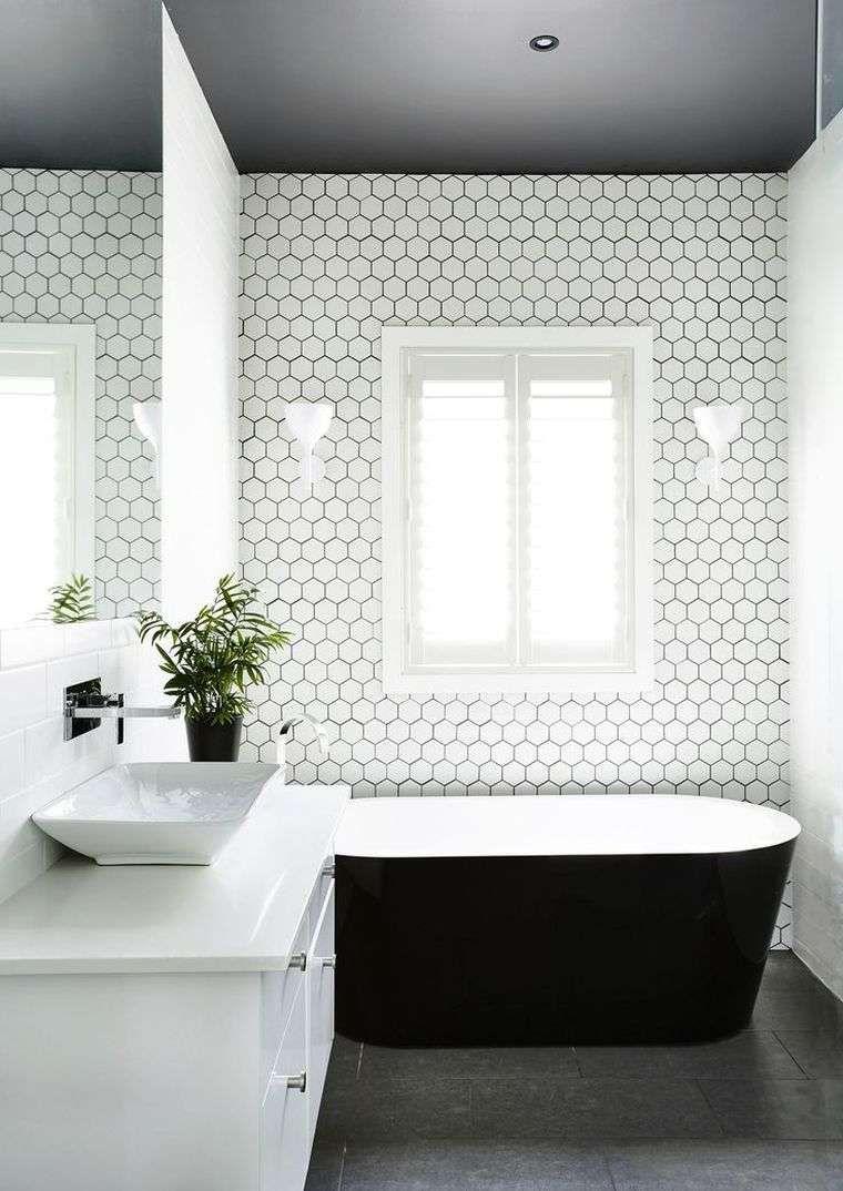 Le carrelage hexagonal de salle de bain c 39 est tendance salle de bains pinterest salle - Carrelage hexagonal salle de bain ...