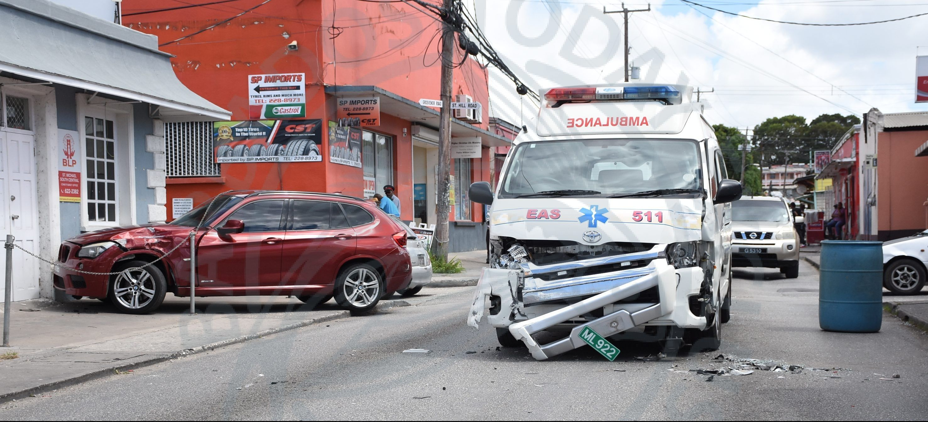 Three vehicle accident on Tweedside Road   Today's News   Vehicles