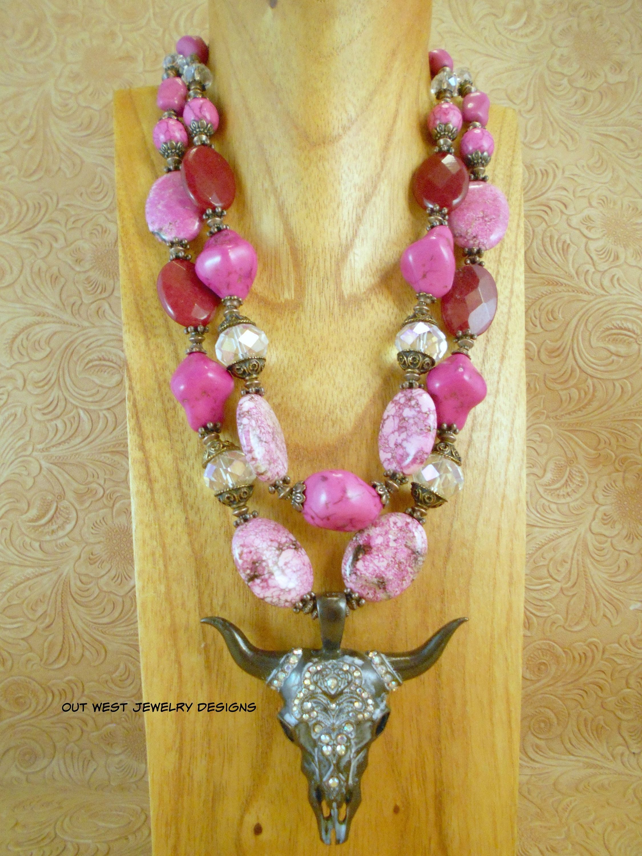 Fancy Crystal Pendant Cowgirls Night Out Western Statement Necklace Set Chunky White Howlite and Pale Sapphire Glass