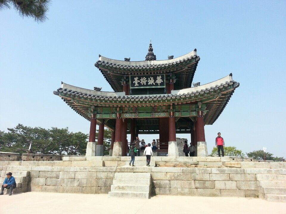 수원화성 (Hwaseong Fortress) in 수원시, 경기도 - badass military base