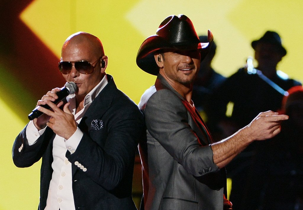 Pitbull and Tim McGraw!! in 2019 Tim mcgraw, Country