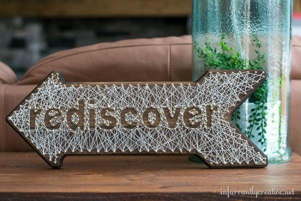 O mais bacana dessa placa decorativa em madeira é que ela pode ter o estilo e cores que você quiser