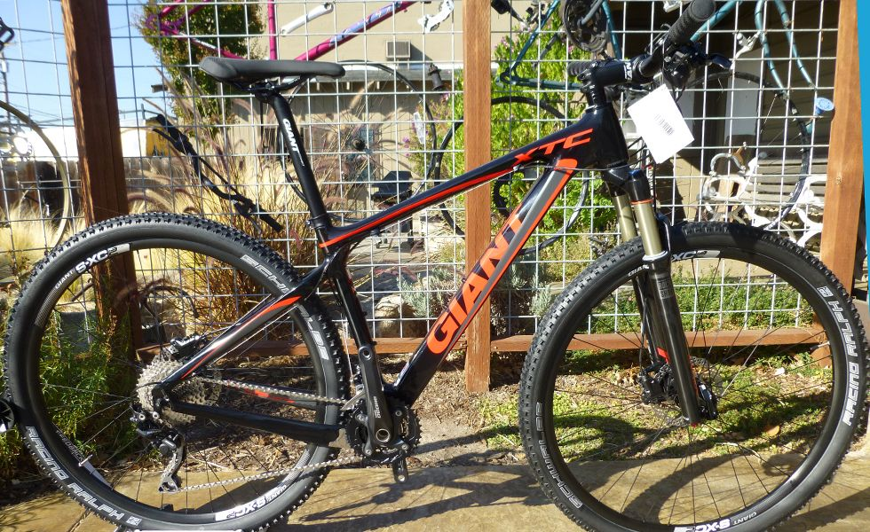 Giant XTC Composite 29er 2 :: Engineered with Giant Composite ...