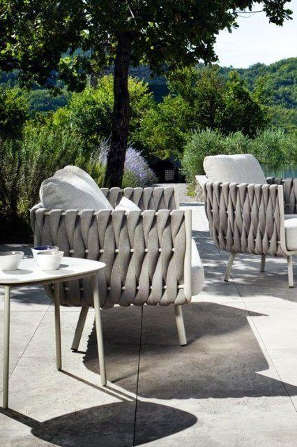 EXTERIEUR I TUINMEUBELEN I Tribù is part of Patio furniture pillows - LEEM Wonen schreef over de exclusieve, moderne tuinmeubelen van Tribù  Met oog voor detail en eenvoudige lijnen een lust voor het oog! Kijk!