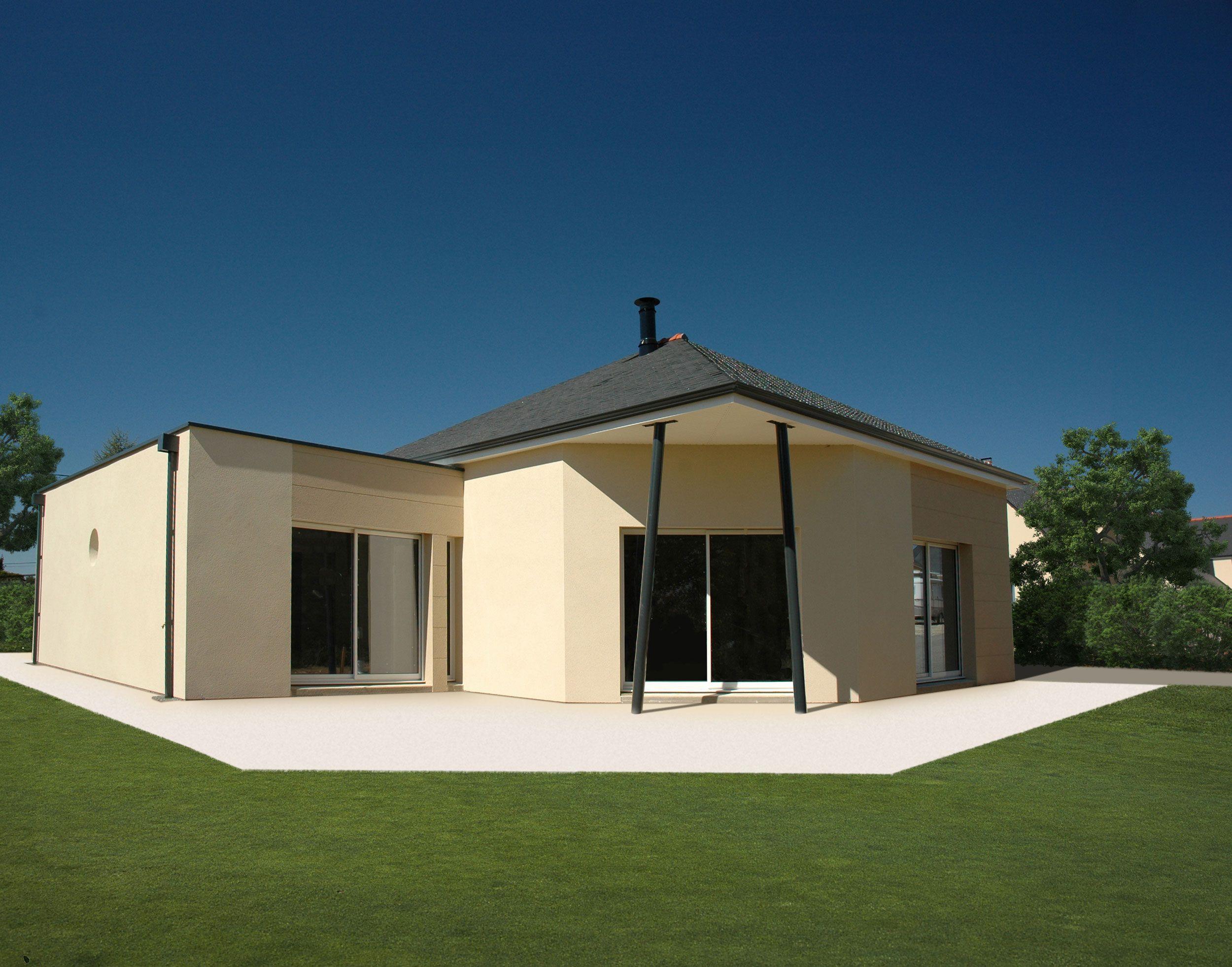 Maison avec un toit en pointe de diamant