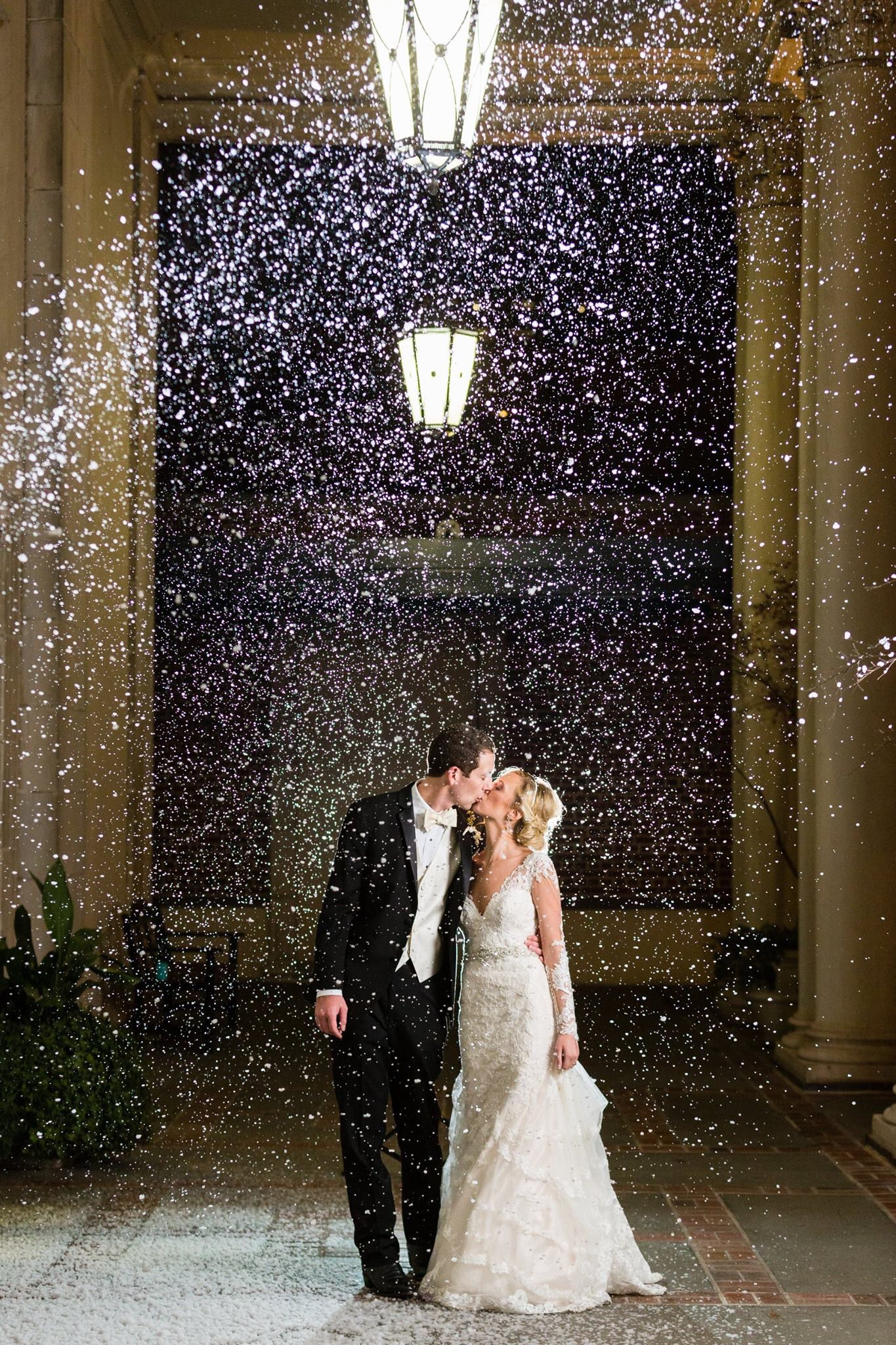 Snow machine for a winter wedding with a snow exit