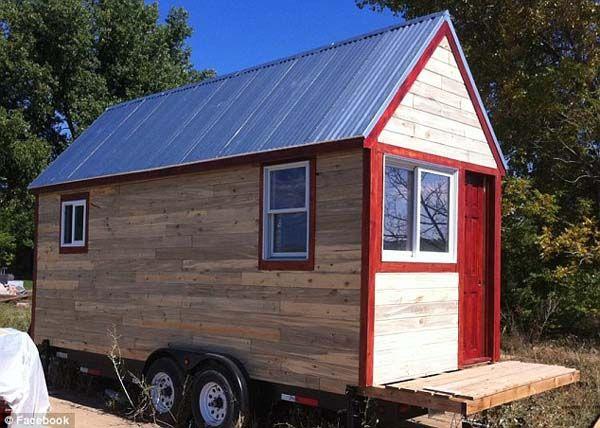 Pikkuinen talo. Mitä asumiseen ja elämiseen tarvitaan?