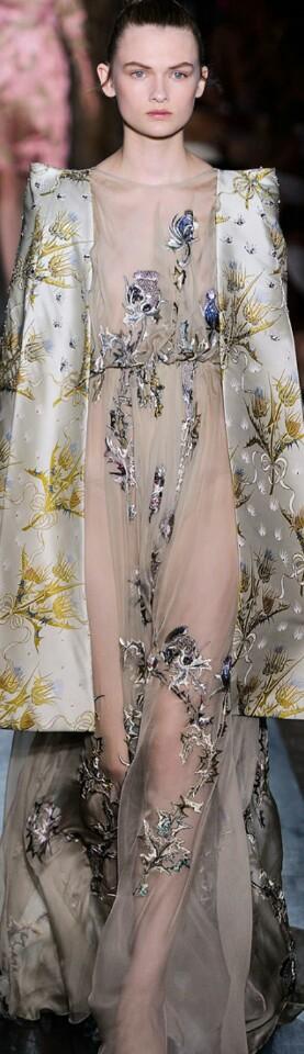 Valentino Fall Haute Couture 2012