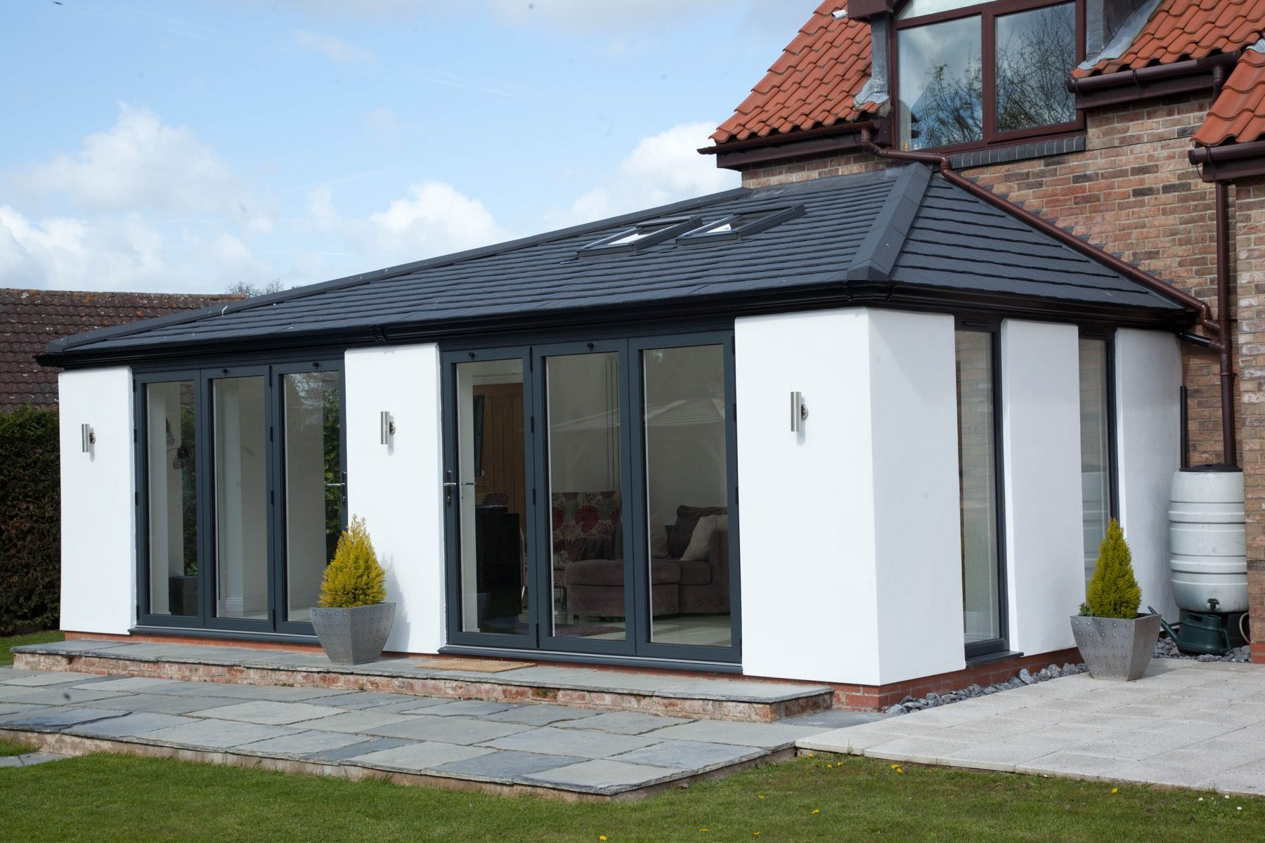 Solid Roof Extensions At Unmissable Prices In Berkshire Trademark Windows House Extension Design House Roof Bungalow Extensions