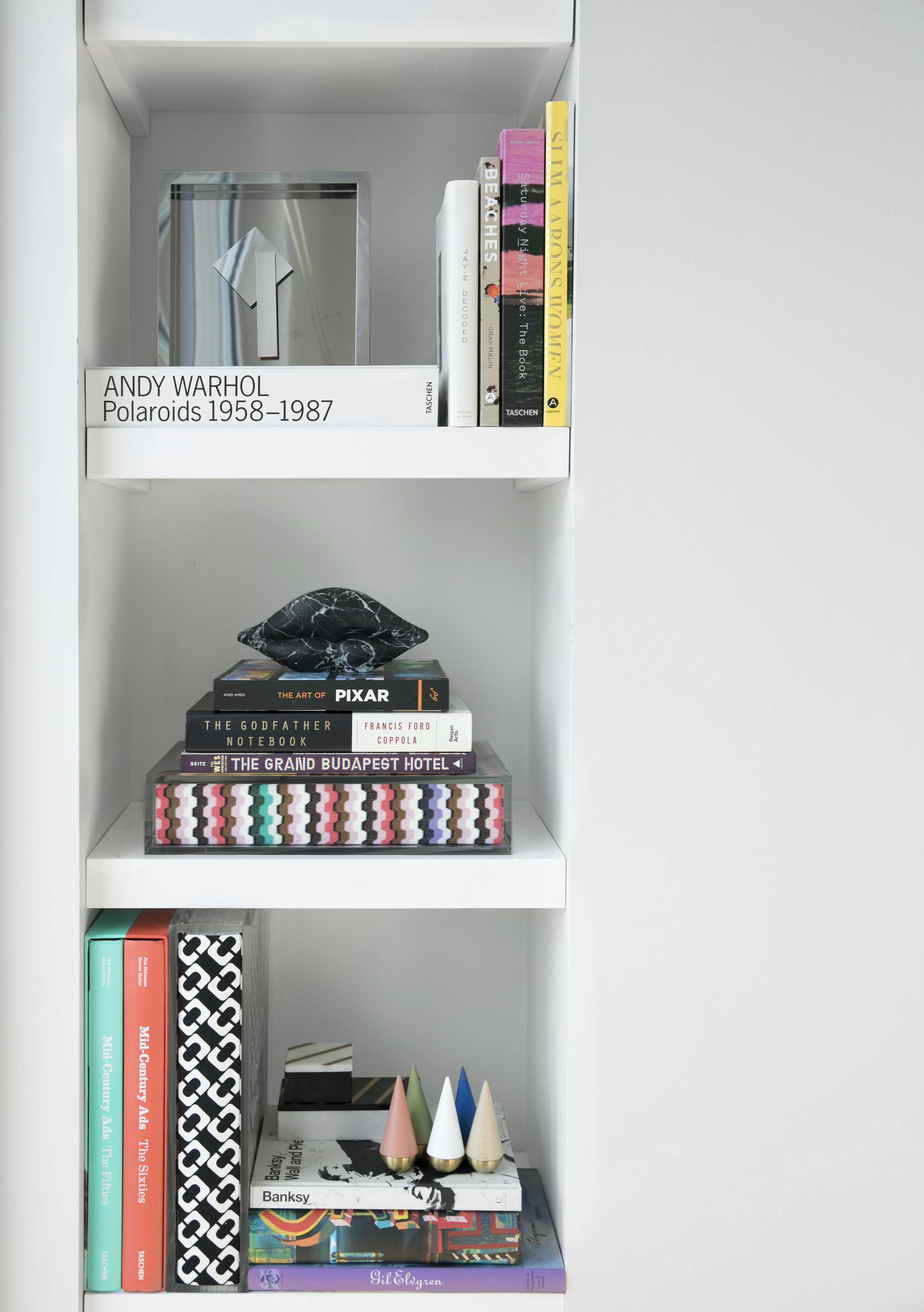 Bookcase / Williamsburg / Brooklyn / By Cara Woodhouse Interiors /  Www.carawoodhouse.com