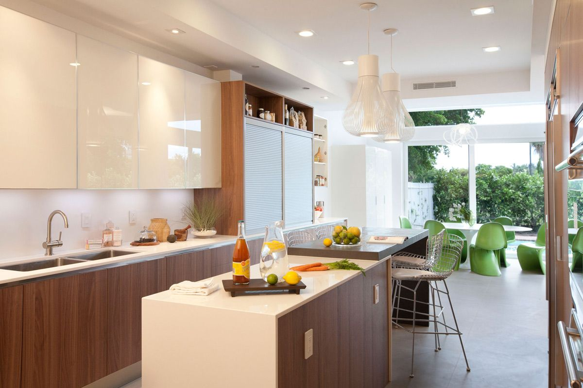Breakfast Table Kitchen Island Stylish Interior Design In Miami Florida Small Apartment Kitchen Modern Kitchen Miami Kitchen Cabinet Design