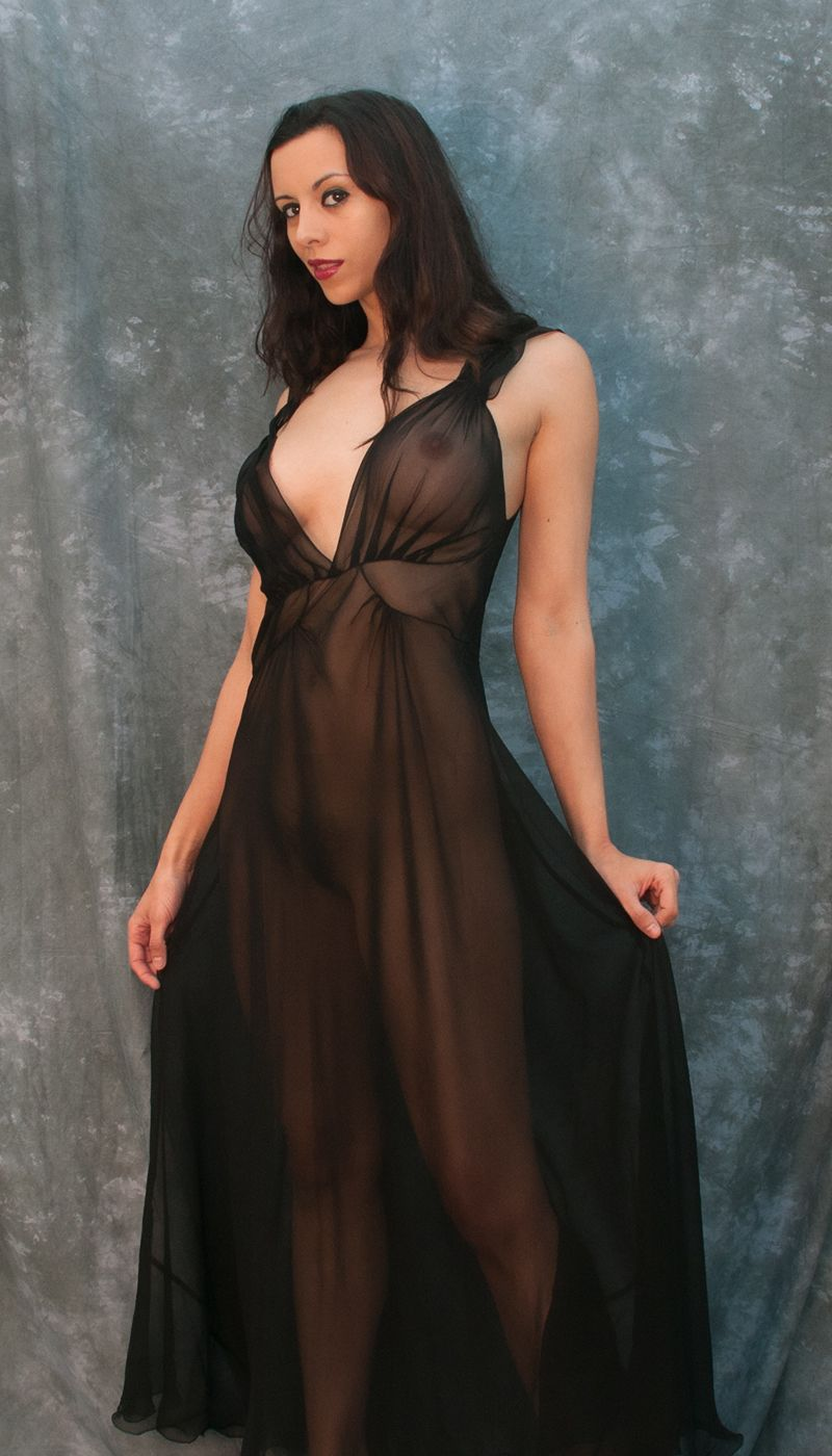 9124bb0108 Long Mary Green Nightgown Brabarella Lingerie