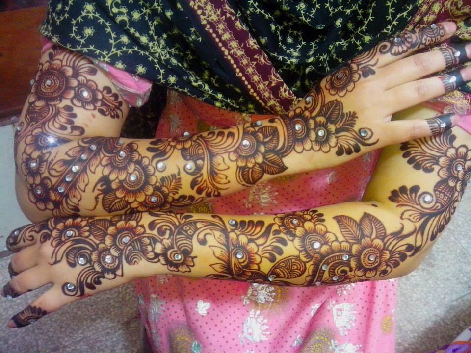 Tatuajes Mehndi Diseños : Pin de kathrintyler en glitter mehndi