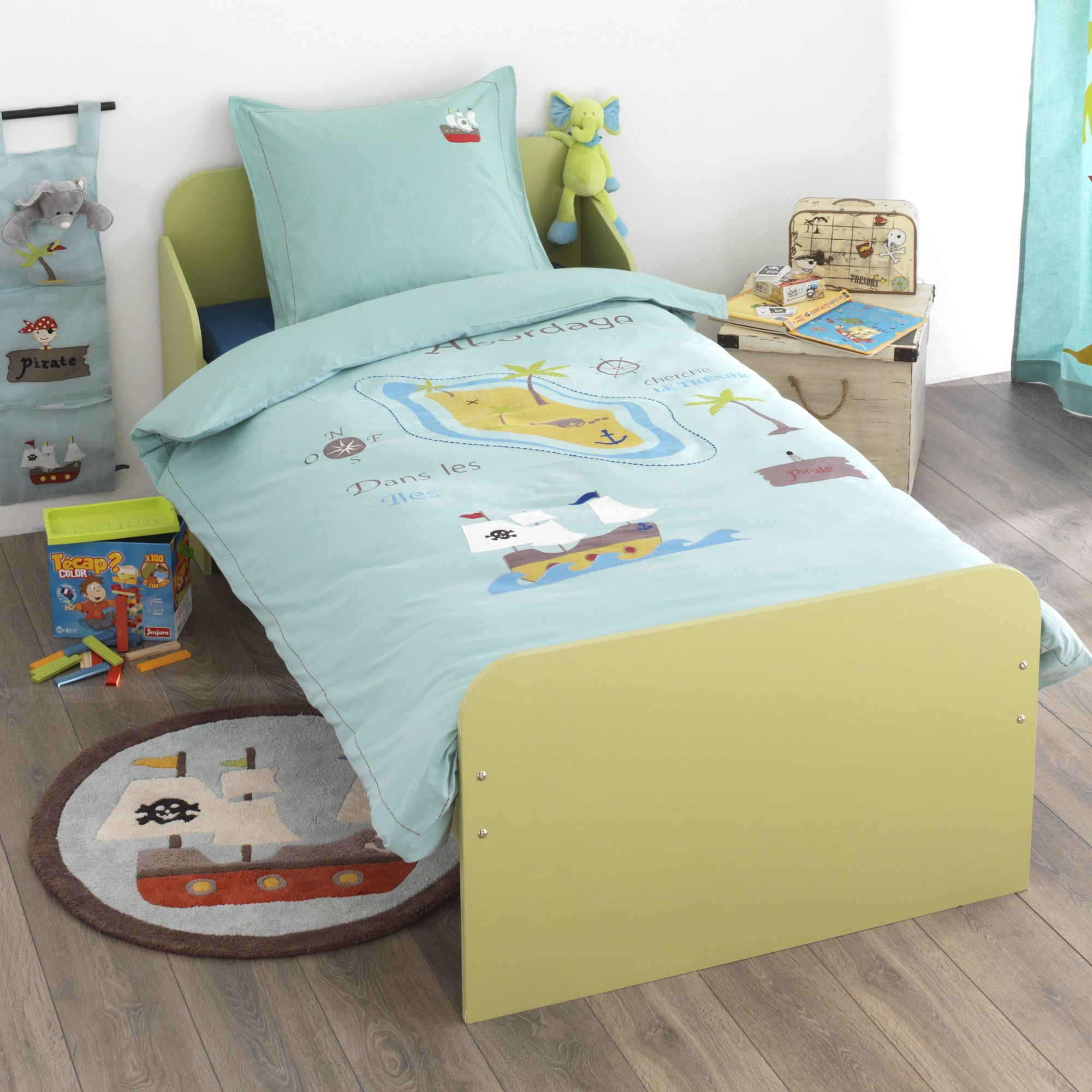 parure de couette pour enfant bleu pirate les parures de lit enfants linge de lit enfant. Black Bedroom Furniture Sets. Home Design Ideas