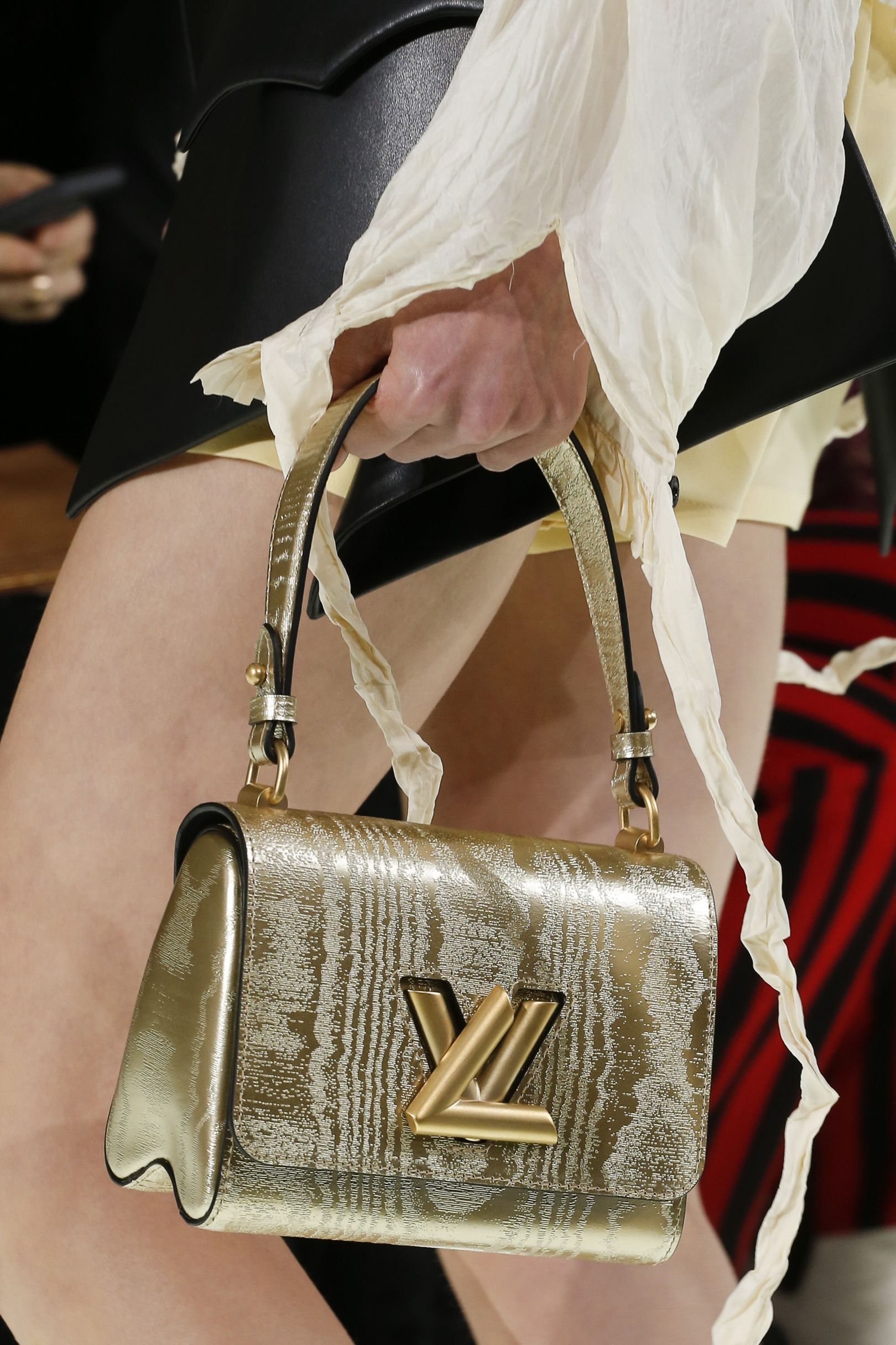 See Vogue S Pick Of The Season Best Bags Straight From Catwalk