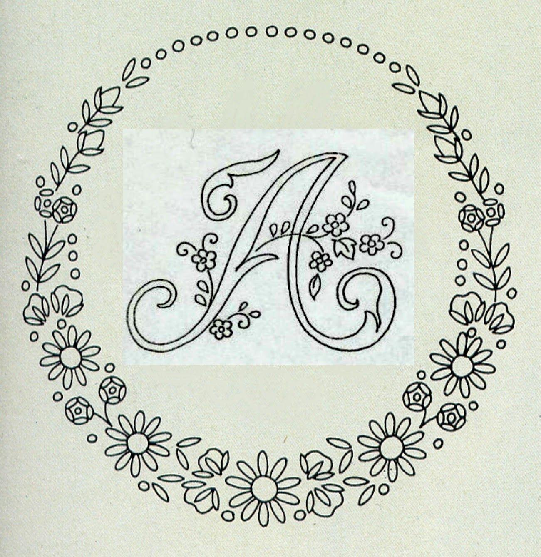 """Eccezionale Ecco qui un bellissimo alfabeto da ricamare con il """"ricamo  OG35"""