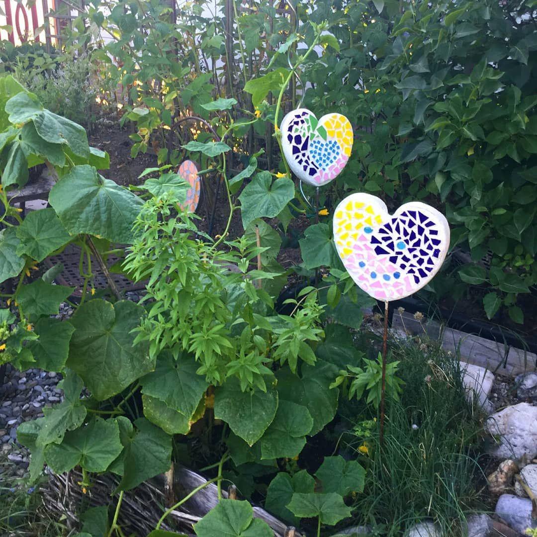 Deko Im Gurkenbeet Mosaik Gartendeko Kreativ Bastelnmitkids Betonkreativ Herz Garten Deko Mosaik Deko