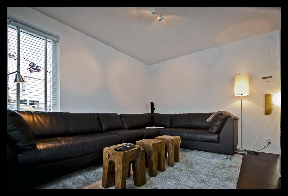 TV-kast-stereomeubel-woonkamer-zithoek-lounge-grote-bank-kleine ...