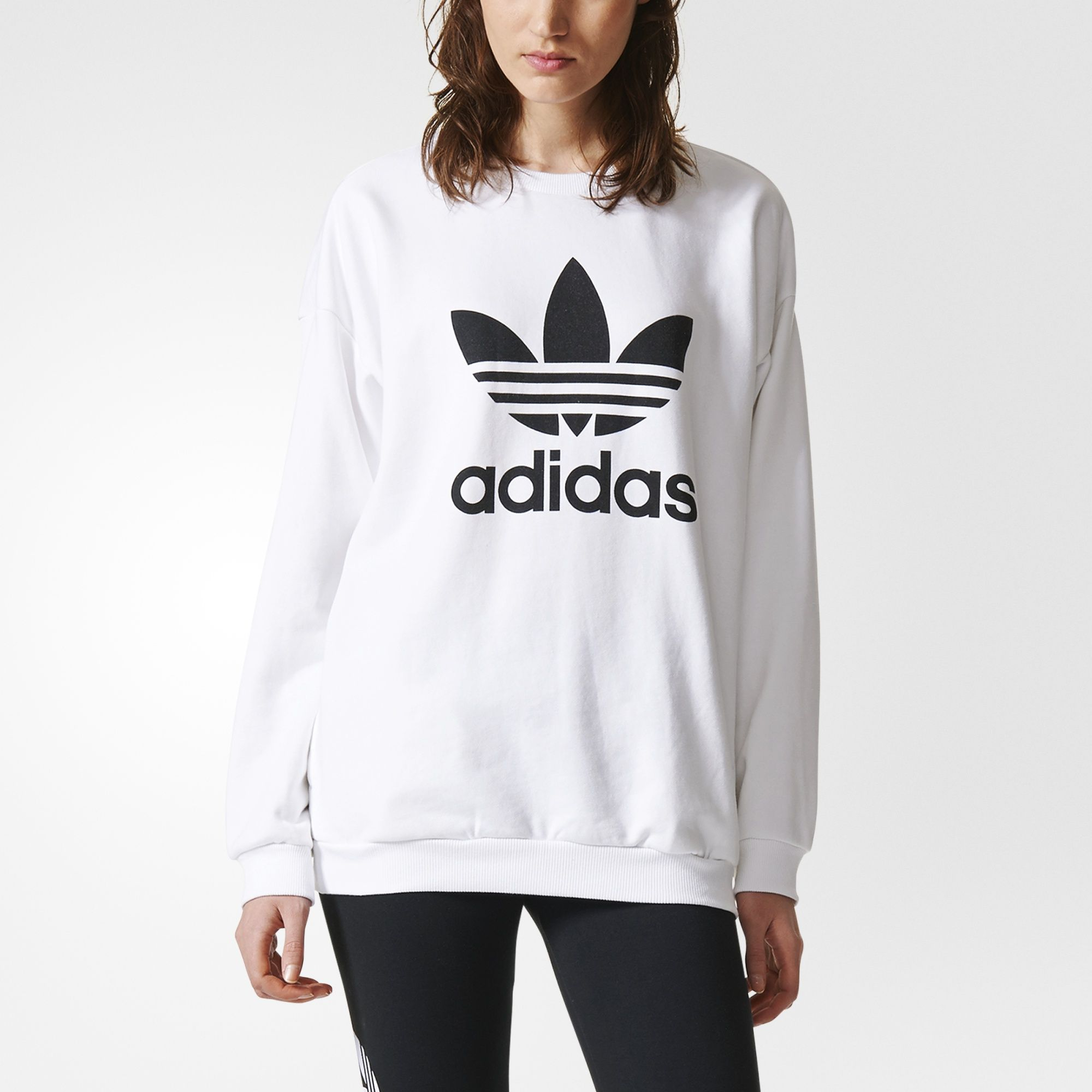 A Familiar Favourite For Lounging Comfortably This Women S Relaxed Fit Sweatshirt Features Soft Adidas Sweatshirt Outfits Sweatshirts Adidas Sweatshirt Women [ 2000 x 2000 Pixel ]