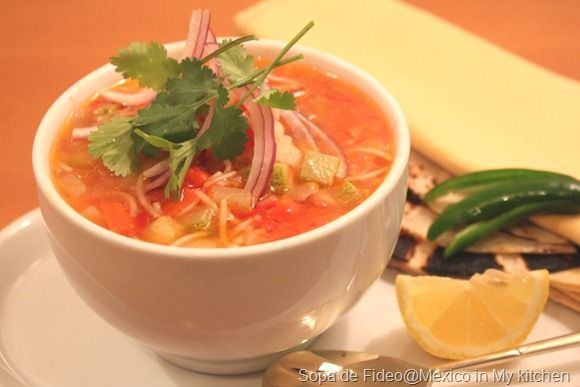 Mexican Vermicelli Soup with Chicken and Vegetables/Sopa de Fideos con Pollo y Verduras