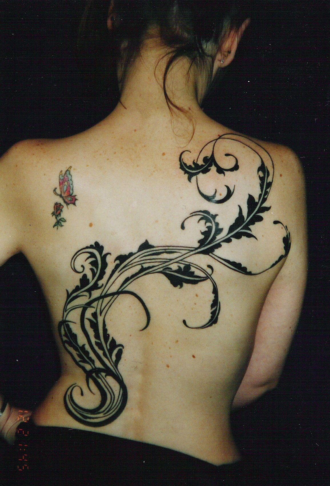 Art Nouveau Flower Tattoo Gis: Vyvyn Lazonga In Seattle, Washington Black Work #tattoo