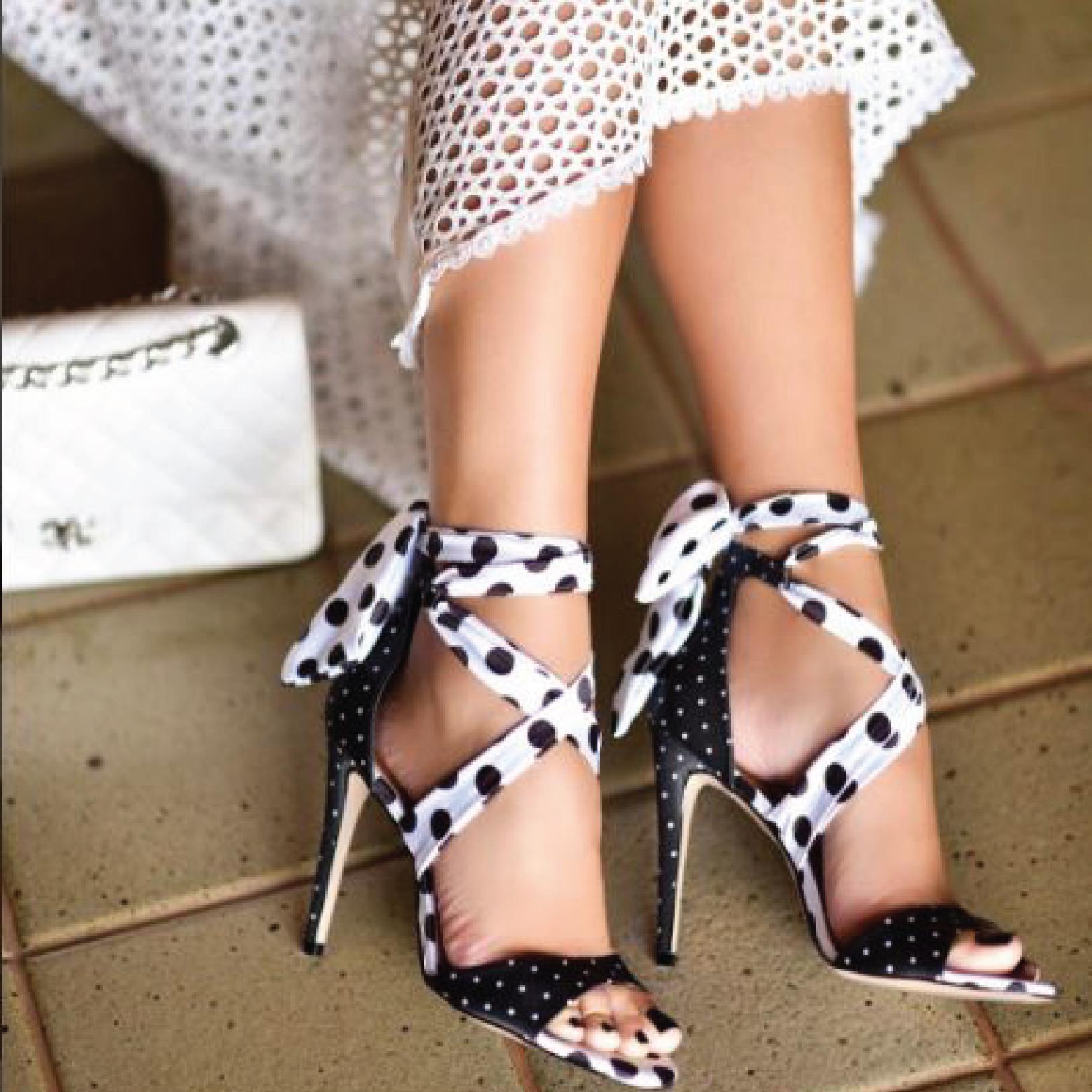 9e37cbeec Está é a loja oficial de calçados da marca Cecconello, compre Scarpin,  Sandálias, Botas, Rasteiras, Sapatilhas, Bolsas, Peep Toes e diversos  outros produtos ...