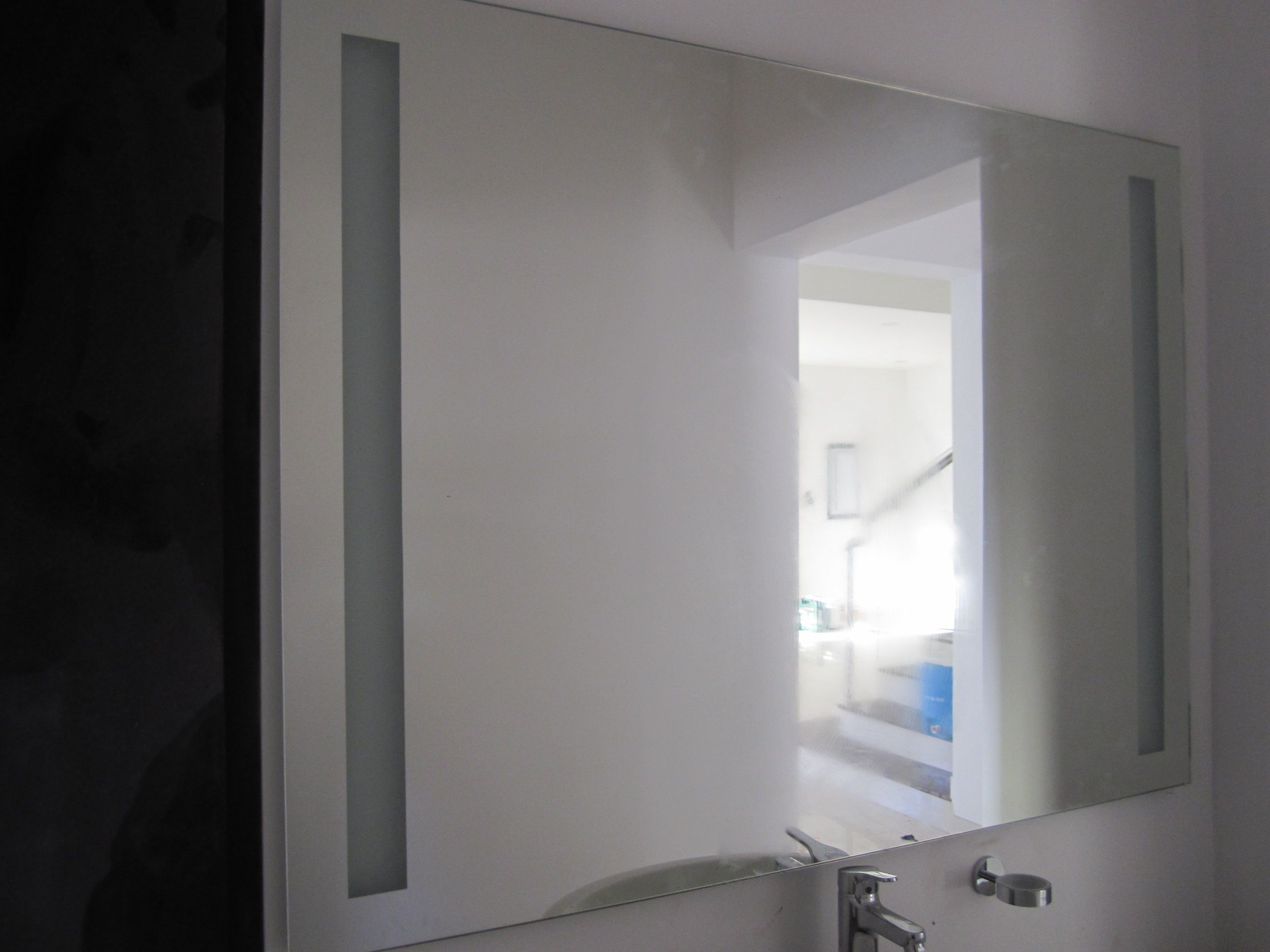 Bagno Design Bahrain Wll Mirror With Sandblast Line Design Glasechnik Bahrain Mirror