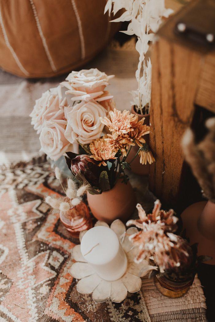 Mit dieser glanzvollen Hochzeitsidee in Marfa, TX, buchen Sie Ihre Tickets für die Wüste   – Wedding Bouquet Ideas