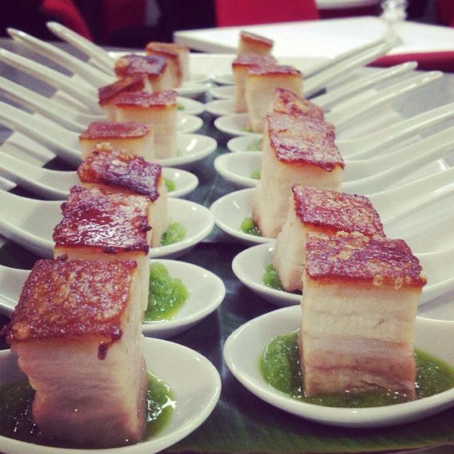 Glazed crisp pork belly with green apple puree #canape ...
