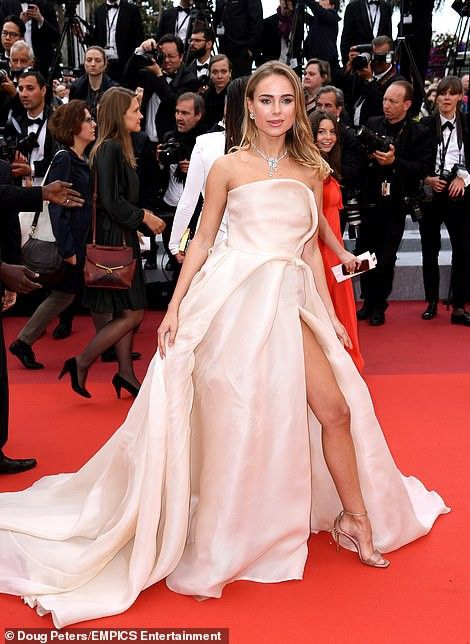 Pin by Fashion & Lifestyle on Red Carpet - Film Festivals ...
