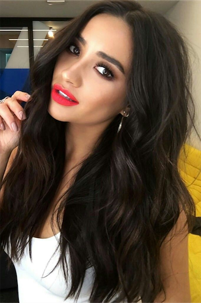 Pin By Rupal Chaturvedi On Great Hair Makeup Hair Styles Shay Mitchell Hair Cool Hairstyles