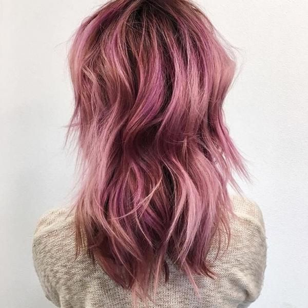 This rosy-pink perfection by @cassandrabickett was created using Schwarzkopf color. FORMULA On Base: Igora Royal 6-68 + Igora Royal Pearlescence 6-89 with Igora Royal Oil Developer 3% (10 volume) Mid-lengths to ends: Igora Royal Pearlescence 9, 5-89 (Candy) + Igora Royal 9,5-18 with Igora Royal Oil Developer 3% (10 volume)