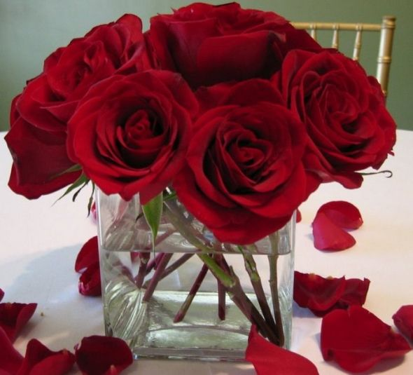 Red roses wedding centerpieces i like the simplicity of