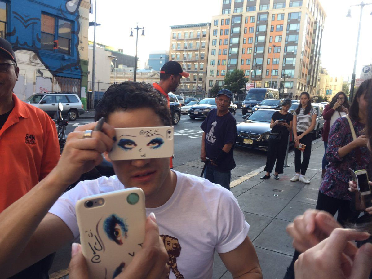 @creampanda445: How sweet of you to take off glasses and strike the pose! We got this IPhone case on Etzy lol. #DarrenCriss #Hedwig #darrenishedwig