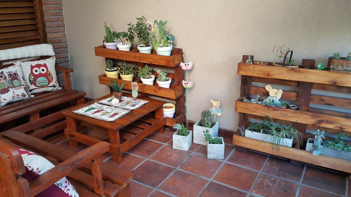 Porta macetas con pallets macetero jardin vertical palet for Jardines verticales con madera