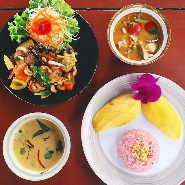 Da's Organic Farm Hut Thai Cooking School - Doi Saket, Thailand