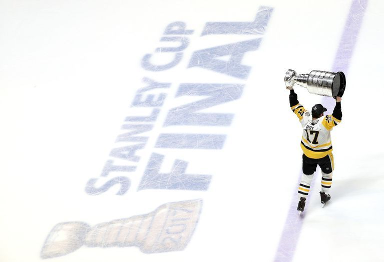 The NHL season came to a close on Sunday night and it was the Pittsburgh Penguins that had the honor of being the NHL's last team standing...again. http://www.foxsports.com/nhl/gallery/the-30-most-joyous-photos-from-the-penguins-stanley-cup-celebration-061217
