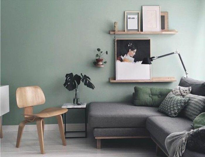 mur couleur vert pastel, canapé gris, deco salon moderne aux lignes
