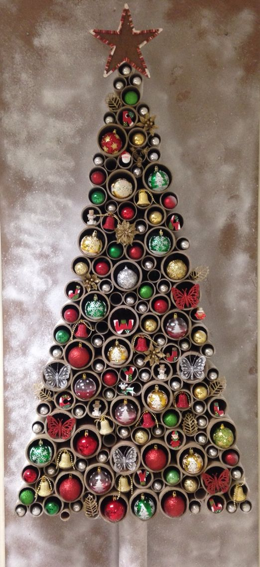 Imagen de arbol de navidad reciclado