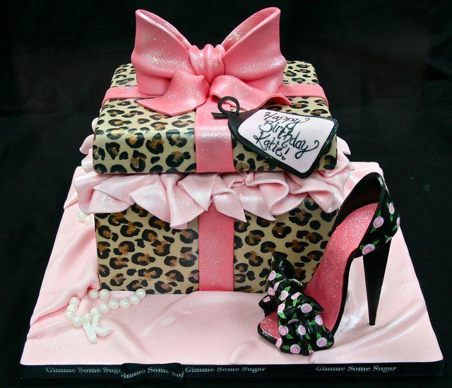 Resultado de imagem para Pretty Birthday Cakes For Women nver