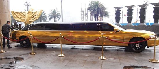 Gold Plated Lincoln Town Car Stretched Limousine 1 All That