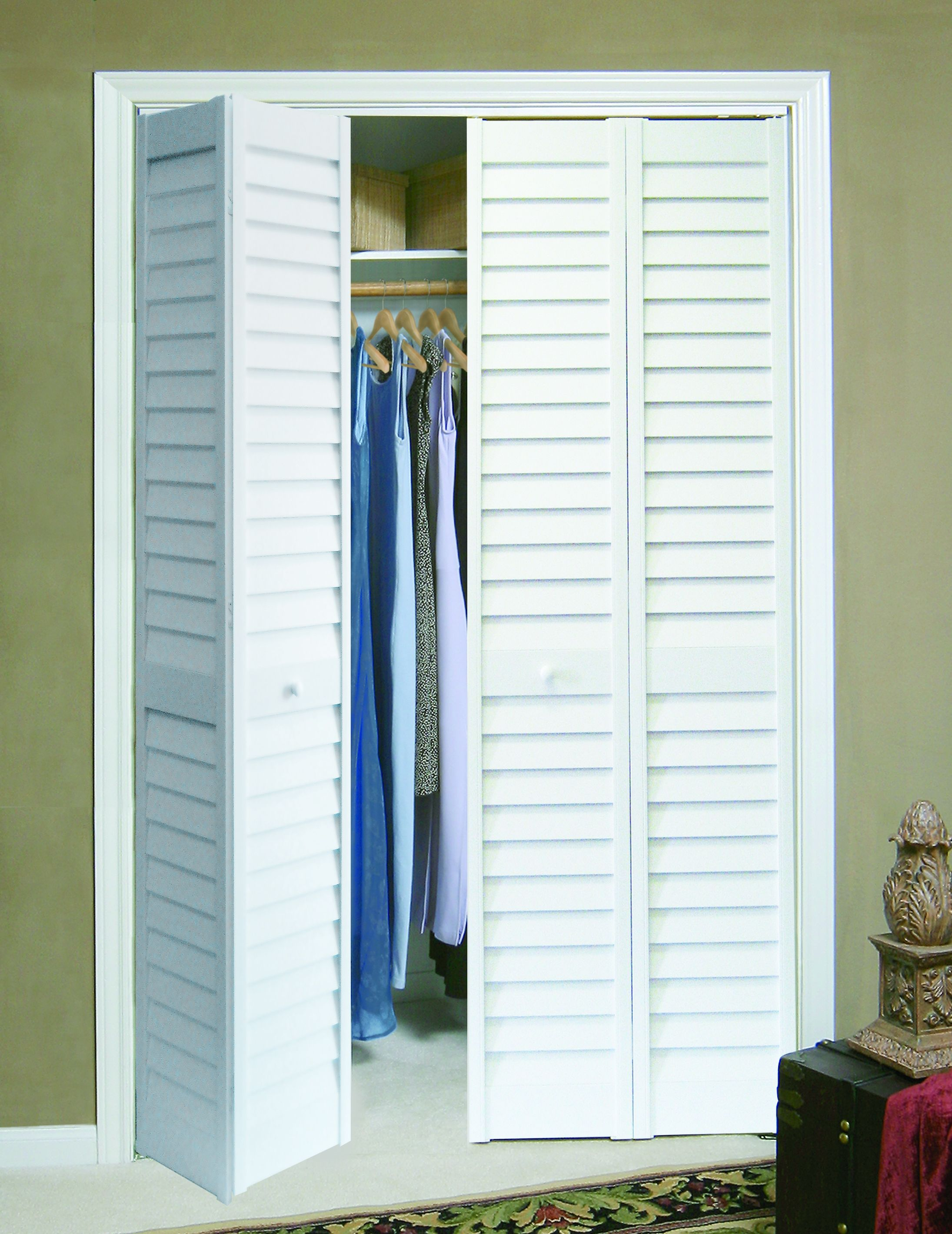 Plantation Louvered Bifold Closet Doors