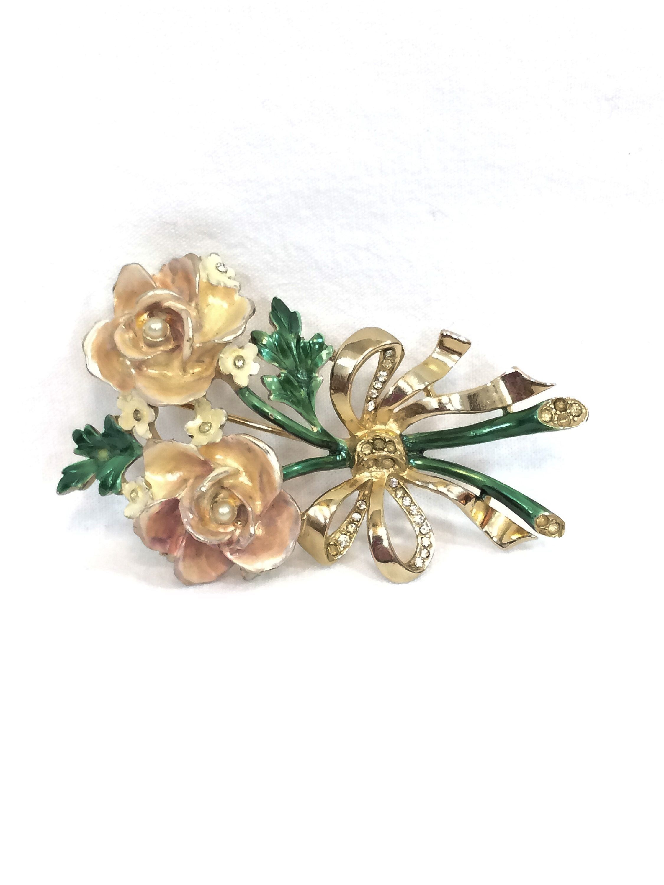 Vintage Brooch From 1940 Bows And Faux Pearls Pins & Brooches