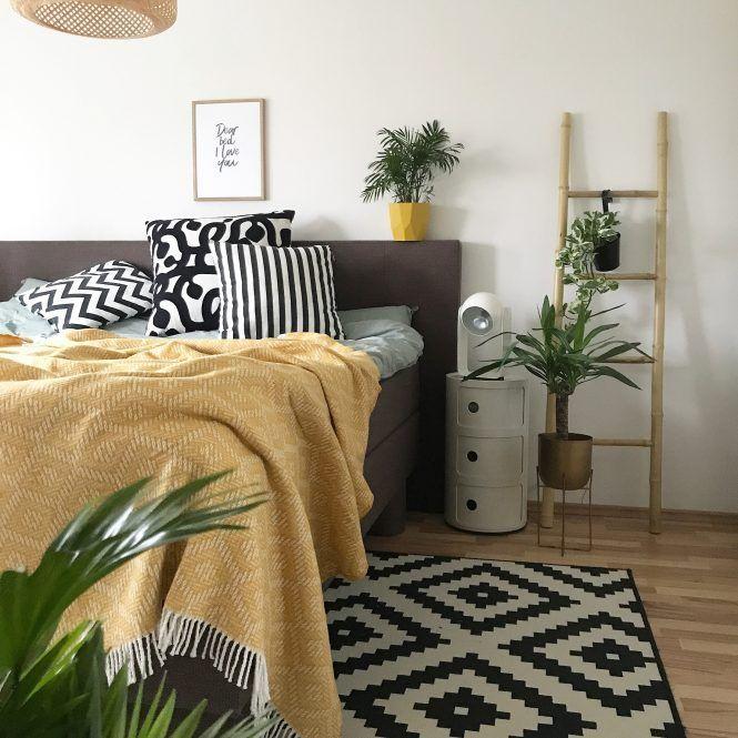 Schlafzimmer Deko in der Trendfarbe Senf Gelb decoration