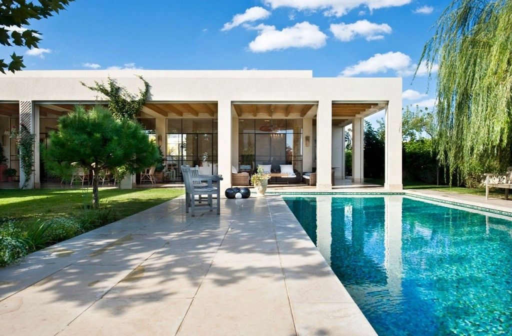 Villa: Calming Outdoor Space Design Ideas With Awesome Reflecting ...