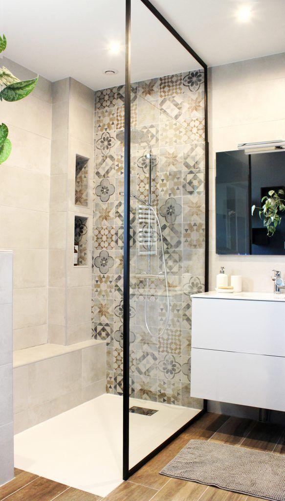 #bain #carreaux #chaleureuse #ciment #épurée #salle #tendance Réalisation - Rénovation d'une salle d'eau parentale - MAJ Décoration
